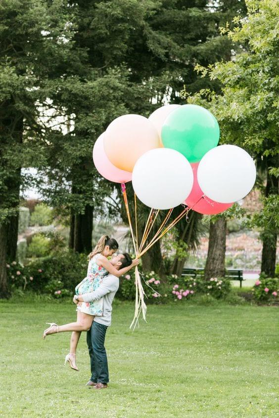 Balloon-filled-San-Fran-e-sesh