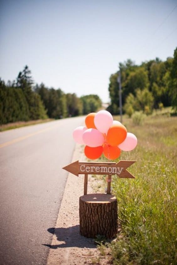 wedding-ceremony-sign-and-balloons